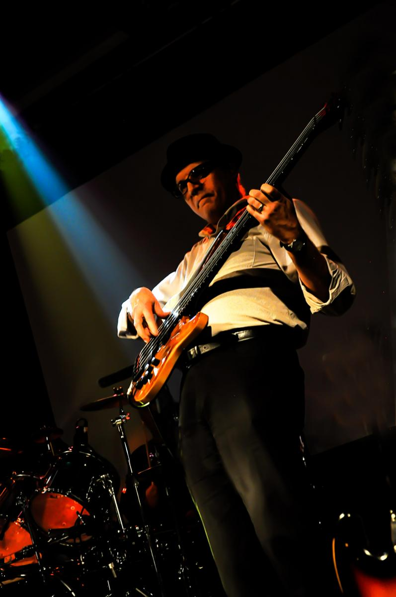 Ron on bass at Grenfields